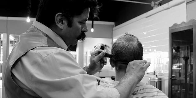 """Plan marketingowy salonu fryzjerskiego """"Pefredo"""" - przykład"""